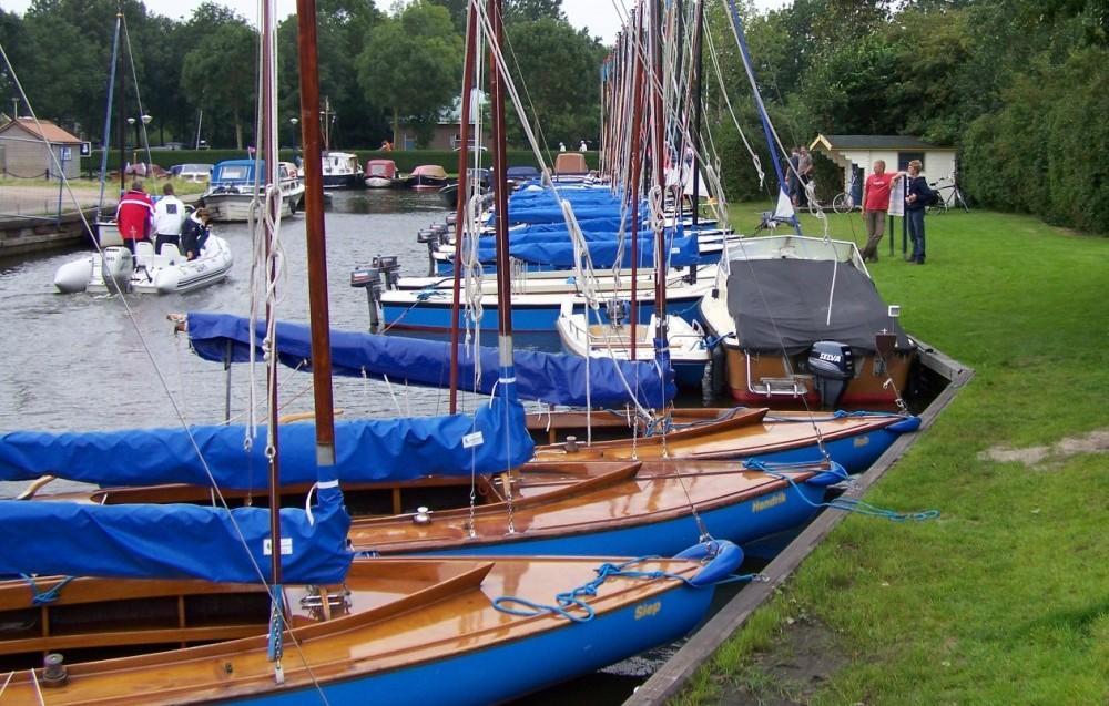 De boten van Bootverhuur de Schakel